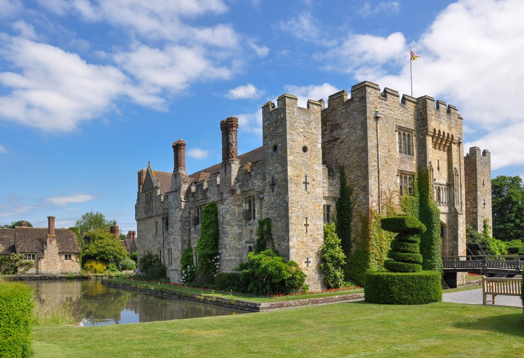 An image of Hever Castle, one of the Boleyn family's Houses of Power