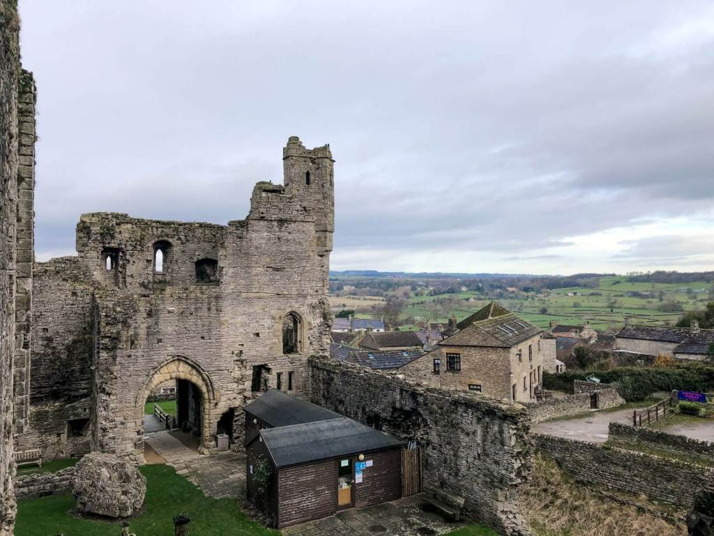 The ruins of the chapel at Middleham Castle
