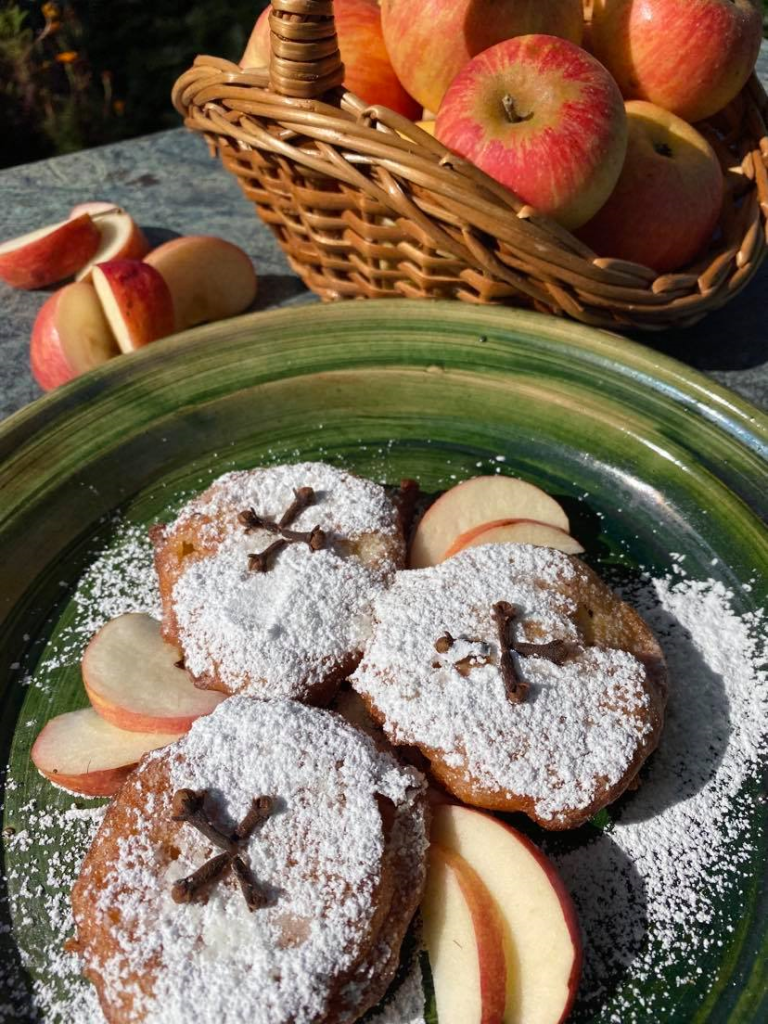 A picture of Tudor apple fritters on a plate.
